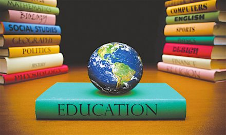 Educaţia – între formare și informare