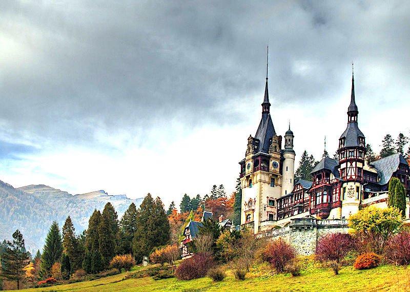 10 Mai-9 Iunie: Arhitectură și ctitorii regale în România