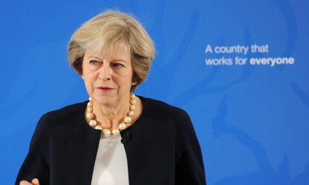 Theresa May anticipează o factură de 54,5 miliarde euro pentru Brexit