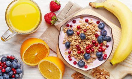 Mit sau realitate: săritul peste micul dejun determină îngrășarea?