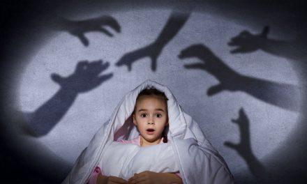 Cum îți ajuți copilul să scape de frici și fobii?