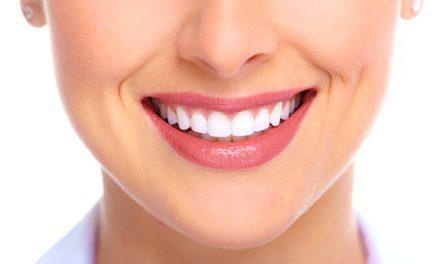 7 obiceiuri alimentare care îţi pot strica dinţii