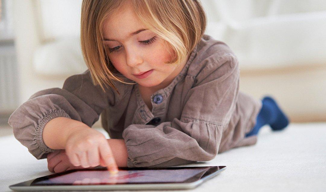 De ce copilul tău este dependent de videoclipurile YouTube
