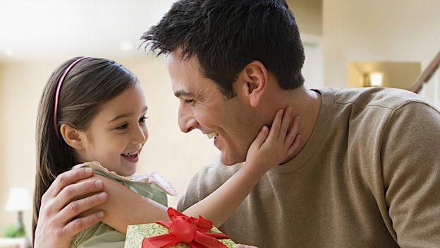 Fii un tată, nu un portofel! Sfaturi pentru bărbații-părinți