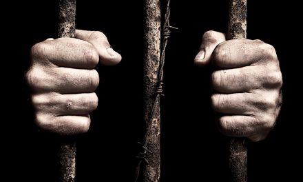 Doi români arestaţi în UK nu pot fi extrădaţi. Explicația judecătorilor