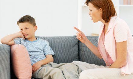 """Ce să faci când copilul îţi spune """"Te urăsc!"""""""