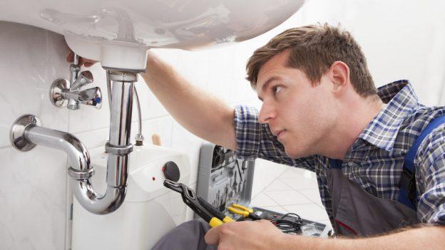 Instalator (plumber) calificat, cu experiență – ofer garanția lucrării